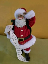 Santa Claus Figurine and 2 Candles Bowie, 20715