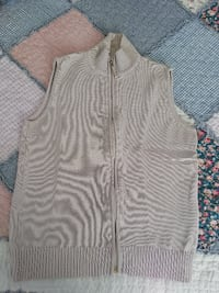 gray zip-up blouson vest