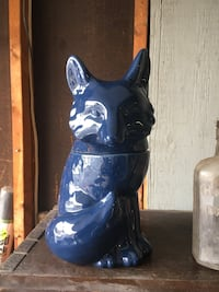 blue and white ceramic vase Brampton, L6X 3J8