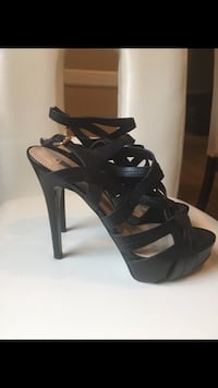 GUESS black leather open toe ankle strap heels Toronto, M4V