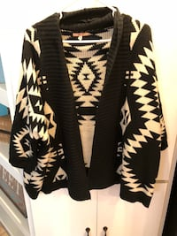 white and black tribal print cardigan Little Rock, 72201