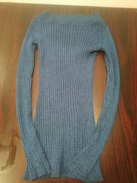 women's gray scoop-neck long-sleeved knitted tops