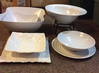 Plastic bowls and plates Barrie, L4N 9N8
