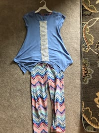 Beautiful girls summer outfit. Size 7/8. $12