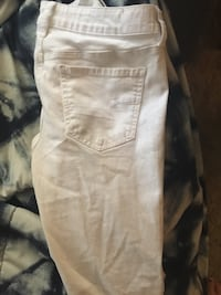 white and gray denim jeans