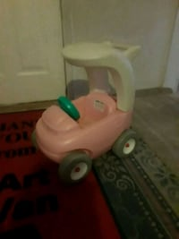 toddler's pink and white ride-on toy Warren, 48091