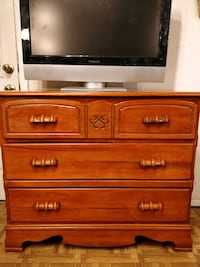 Solid wood antique dresser with 3 big drawers, pet Annandale, 22003