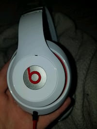 Old Beats Studios Very Used (Sale Pending)