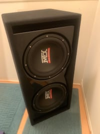 "Dual 12"" inch subs with ported box  Dearborn, 48124"
