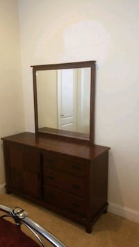 Dressing  table used Chantilly