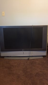 Black and gray flat screen tv Indiana, 15701