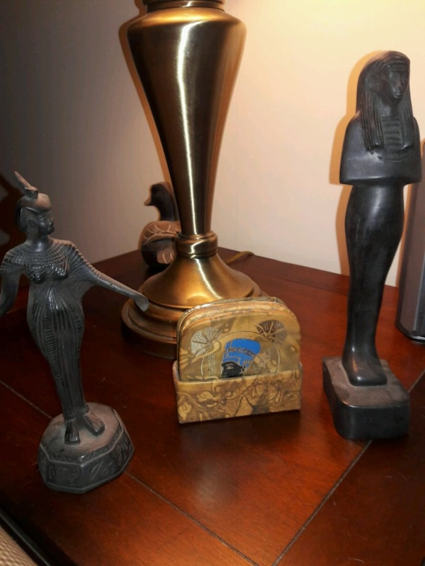 Egyptian deco,statutes, pictures,etc made in Egypt aa4fac5a-6f5c-436b-8be1-07c197926894