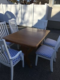 Table and 6 dining room chairs