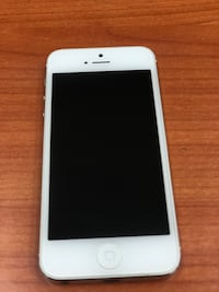 White iPhone 5 16GB (CARRIER UNLOCKED)