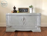 Antique shabby chic farmhouse trunk/coffee table conversion Mississauga, L5G 2K4