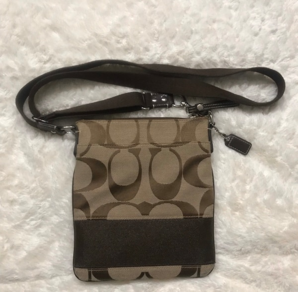 Coach Crossbody Bag 73969273-9d67-46b7-86a6-dba9c4d34493