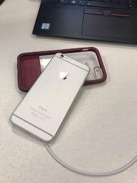iPhone 6 - Silver - 32 GB Toronto, M5H 1N1