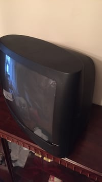 Black and gray CRT TV 20 inch great for kids room or office