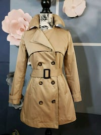 Brand new trench coat Coquitlam, V3E 3G8