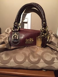 Coach purse authentic pick up north barrie Barrie, L4N 7A2
