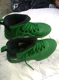 pair of green Nike high-top sneakers Goodlettsville, 37072
