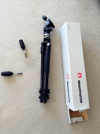 [mint]manfrotto tr190xprob 3 section aluminum tripod with 804rc2 head Burnaby