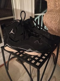 Girls size 4 black Jordan Sneakers Centreville, 20120