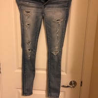 distressed blue-washed jeans 列治文, V6X
