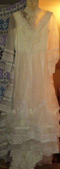 vintage wedding dress Elizabethtown, 17022