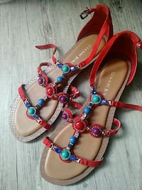 pair of red-and-brown leather sandals Abilene, 79601