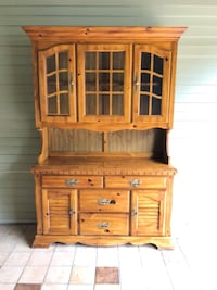 Bassett furniture Hutch Sterling, 20165