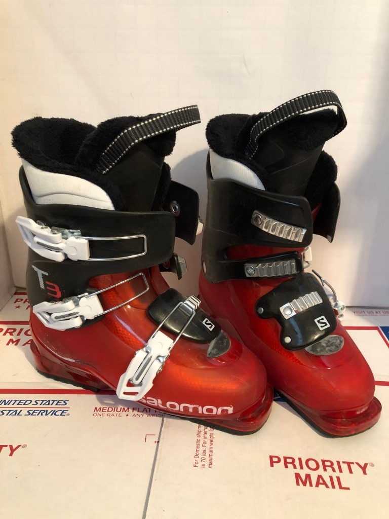 Salomon T3 Ski Boots Red Size 6 12 or 24.5