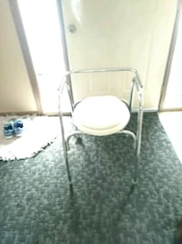 Commode  St. Cloud, 56301