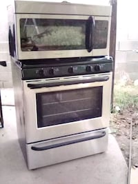 Frigidaire Stove and Microwave oven Los Angeles