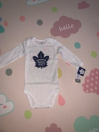 Maple leafs long sleeve onesie new with tag unisex Toronto, M3N