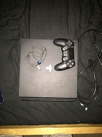 black Sony PS4 console with controller Redlands, 92374