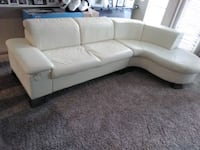 Italian style Leather sectional with throw pillows Pearland, 77584