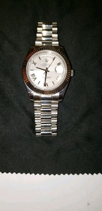 round silver-colored analog watch with link bracel Grand Prairie, 75052