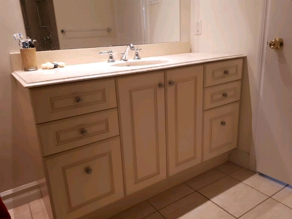 Vanity granit for bathroom 01769fdc-2e50-4825-8325-16457485aae1