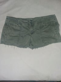 AE size 8 olive cutt off shorts Laureldale