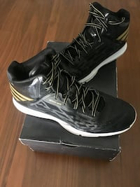 Adidas basketball Mens 10
