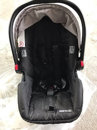 Graco car seat with base  Pickering, L1X 2N3