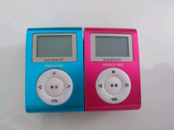 MP3 METALLIC PINK OR BLUE WITH CABLE