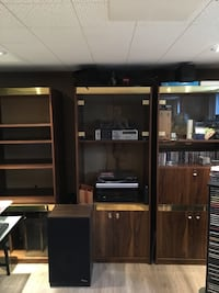Sectional wooden wall unit Toronto, M1L 2Z8