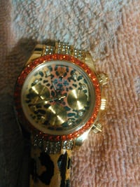 round gold-colored chronograph watch with link bracelet Meriden, 06451