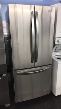 "32"" LG fridge — warranty and delivery  549 km"