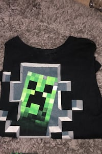 Minecraft tee (little kid medium)