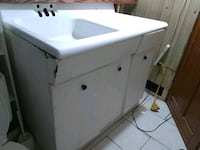 white front-load clothes dryer London, N5Y 2L5