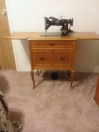 PFFAF 130 collectors/ vintage sewing machine La Verne, 91750
