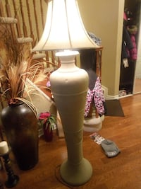 white ceramic table lamp Ottawa, K4A 4W1